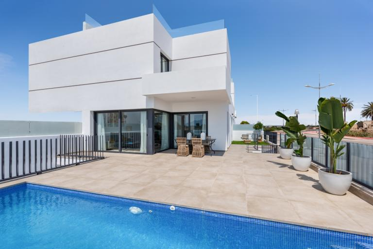 Stunning quality new build villas with private pool in Dolores in Nieuwbouw Costa Blanca