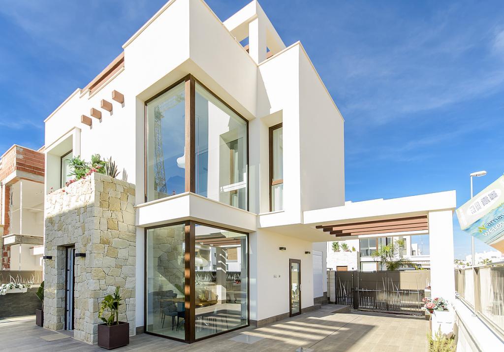 Southfacing 3 bed 3 bath modern villa Ciudad Quesada in Nieuwbouw Costa Blanca